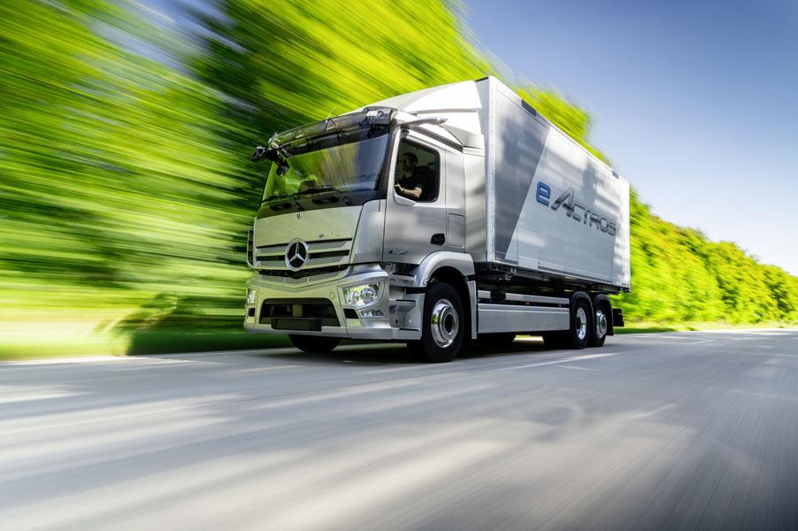 Mercedes-Benz-eActros_movimiento