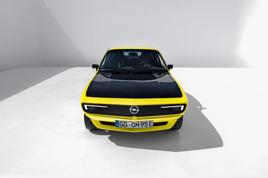 Opel-Manta-GSe-ElektroMOD_frontal
