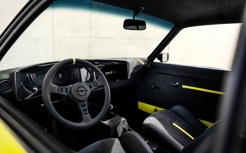 Opel-Manta-GSe-ElektroMOD_interior