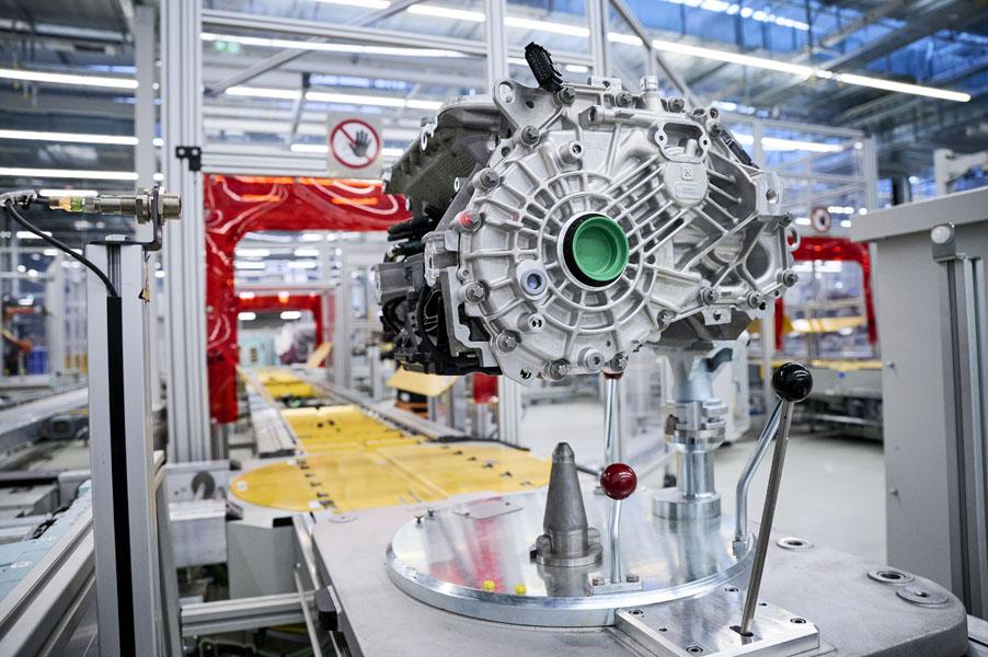 Produccion-sistemas-E-Drive-planta-Dingolfing_BMW-Group