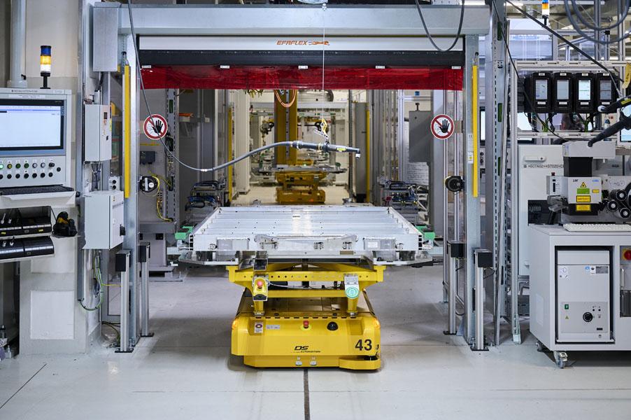 Produccion-sistemas-E-Drive-planta-Dingolfing_BMW-Group_bateria-i4