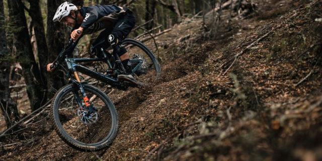 Specialized-Kenevo-SL_bicicleta-electrica-MTB_descenso