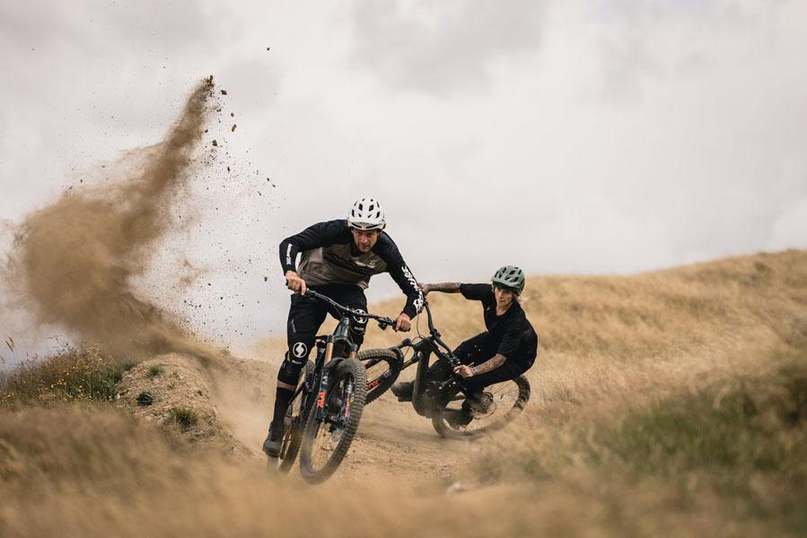 Specialized-Kenevo-SL_bicicleta-electrica-MTB_tierra