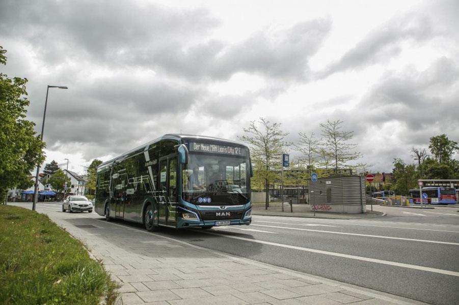 autobus-electrico-MAN_Lions_City_E_pruebas-autonomia-Alemania_movimiento
