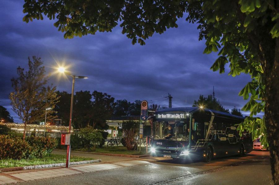 autobus-electrico-MAN_Lions_City_E_pruebas-autonomia-Alemania_parada