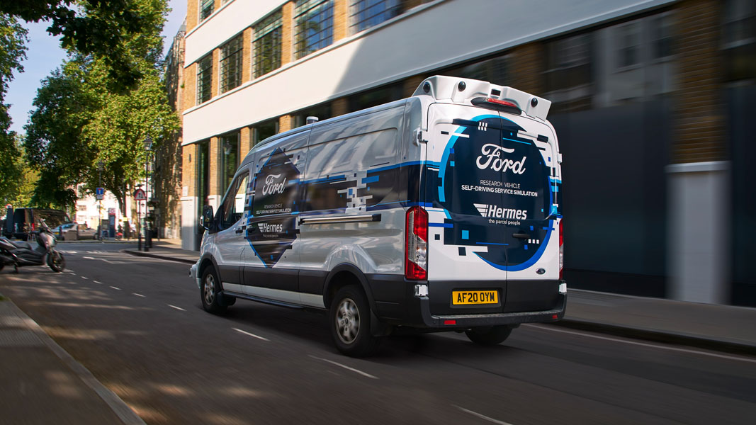 Ford-Transit-simulacion-conduccion-autonoma-asociacion-Hermes_trasera