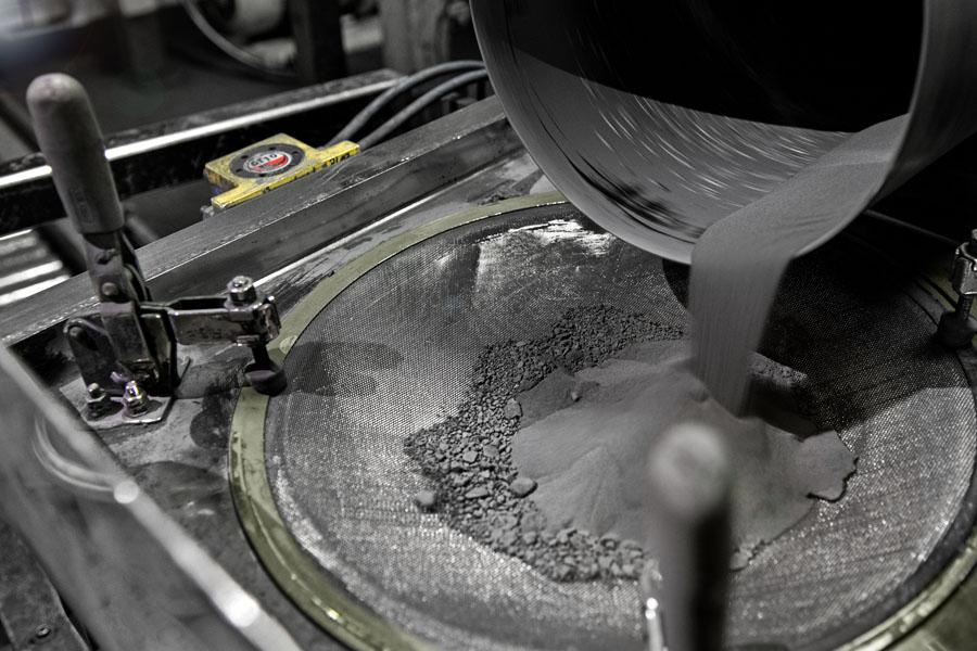 Polvo-materiales-reciclados-BMW-ciclo-cerrado
