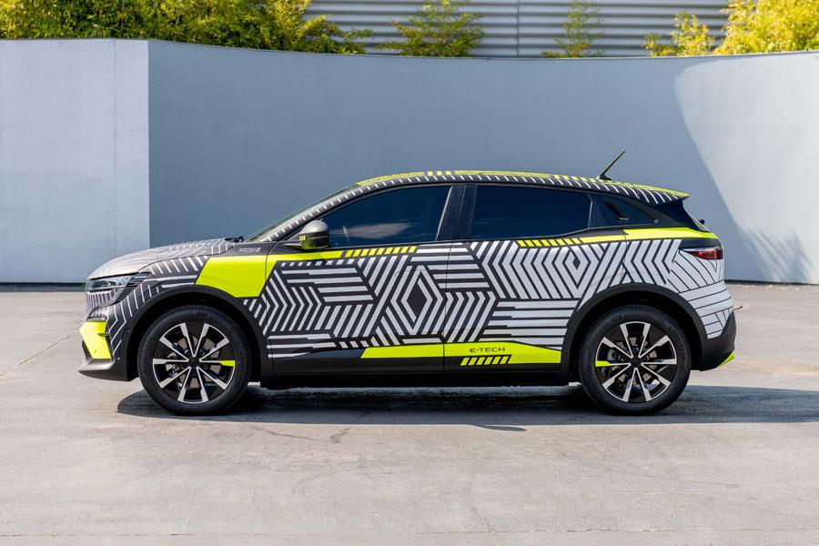 Renault-MEGANE-E-TECH-Electric_camuflaje-lateral
