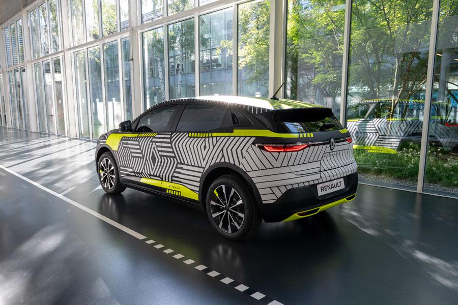 Renault-MEGANE-E-TECH-Electric_camuflaje-trasera