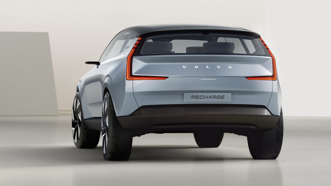 Volvo-Concept-Recharge_trasera