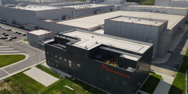 planta-baterias-vehiculos-electricos-SK-Innovation-Komarom_Hungria