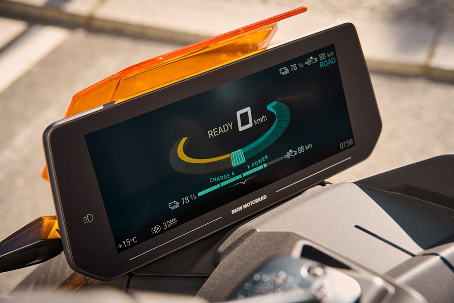 BMW-CE-04_pantalla