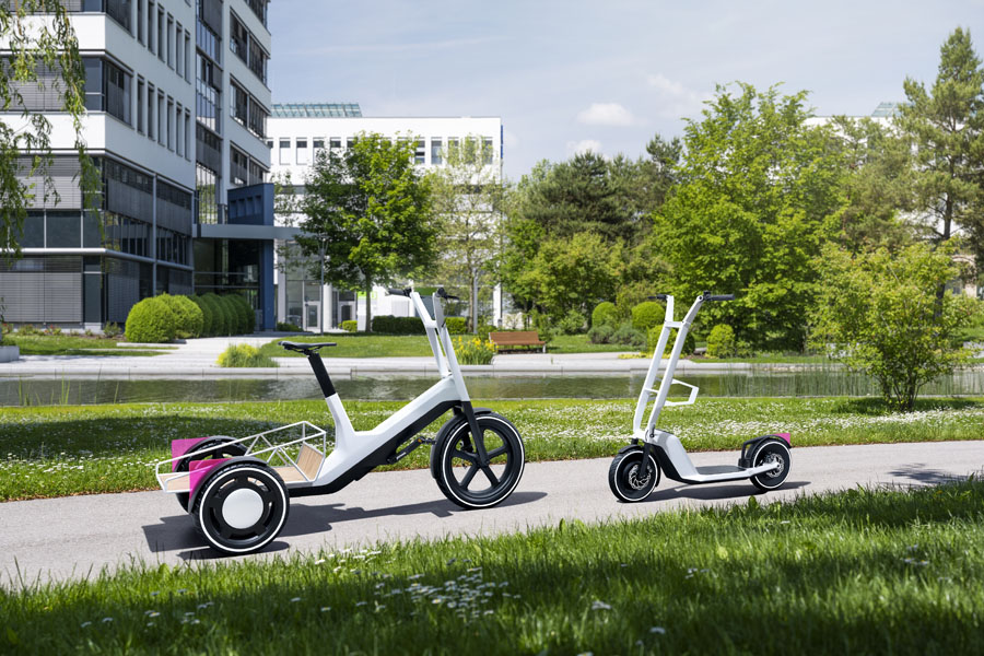 Bicicleta-electrica-BMW-Dynamic-Cargo-concept_Patinete-electrico-Clever-Commute-concept_enfrentadas