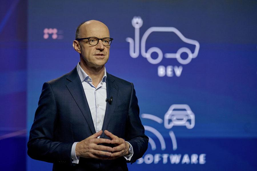 Estrategia-NEW-AUTO-Grupo-Volkswagen_Arno-Antlitz