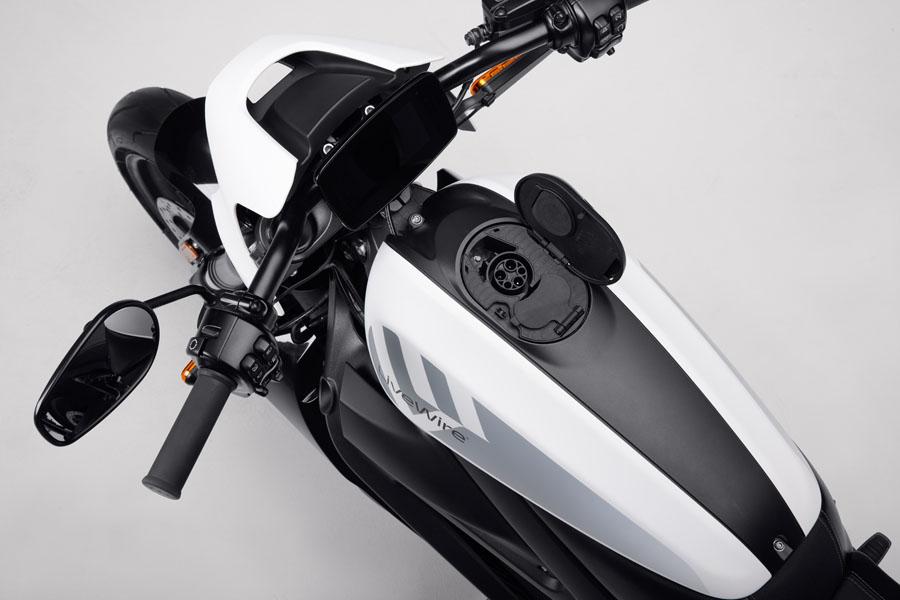 Nueva-motocicleta-electrica-Harley-Davidson-LiveWire-ONE_arriba