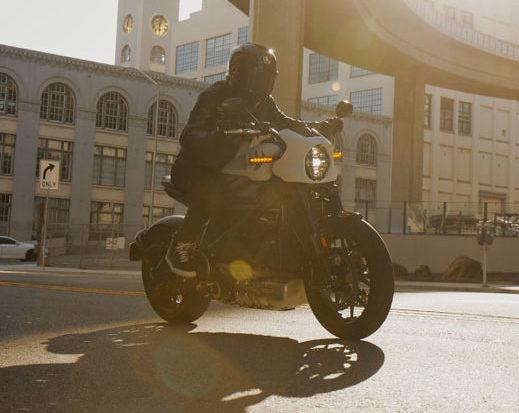 Nueva-motocicleta-electrica-Harley-Davidson-LiveWire-ONE_ciudad