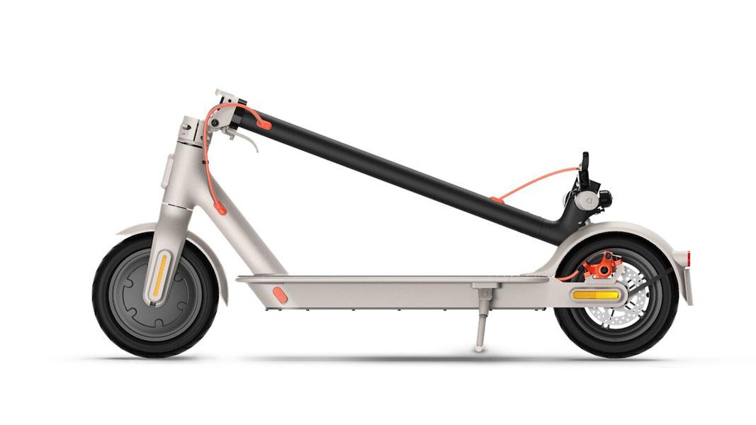 Nuevo-patinete-electrico-Xiaomi-Mi-Electric-Scooter-3_color-gris_plegado
