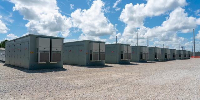FPL-sistema-bateria-solar-mas-grande-mundo_75-por-ciento-completado_2