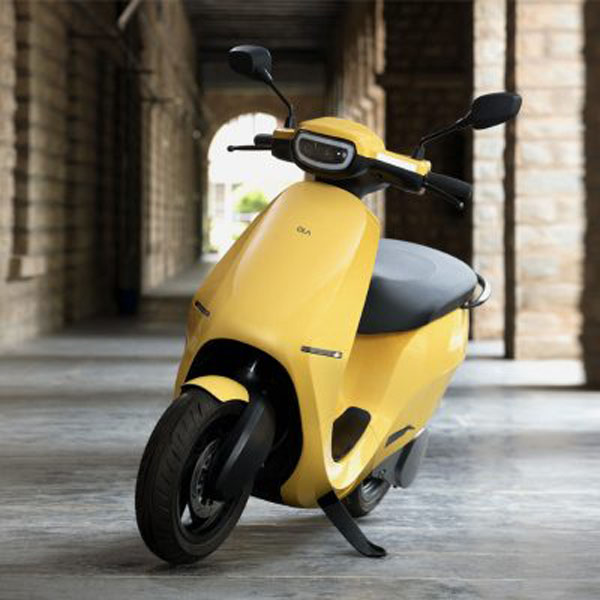 Ola-Electric-scooter-electrica-S1_amarillo
