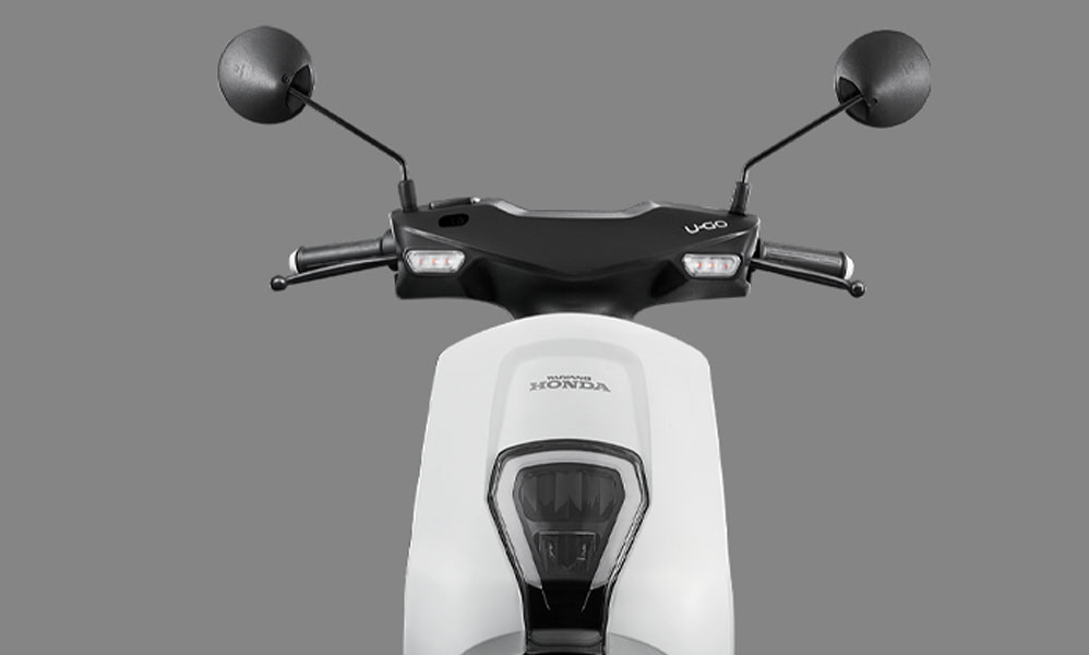 Scooter-electrica-Honda-U-GO_frontal-blanco