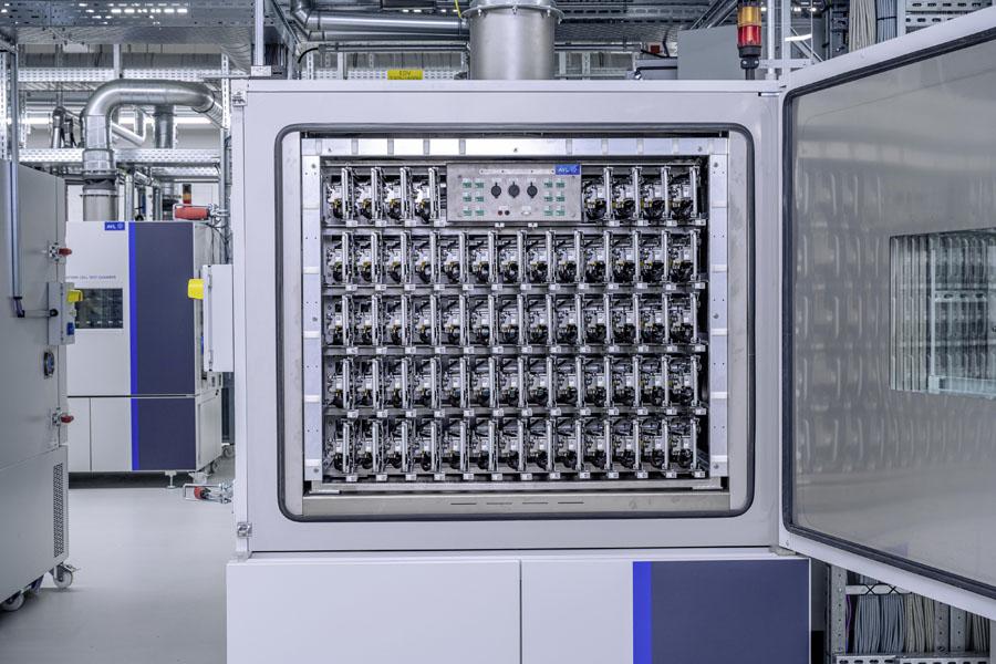 Apertura-laboratorio-fabricacion-propia-baterias-Volkswagen-Salzgitter_5