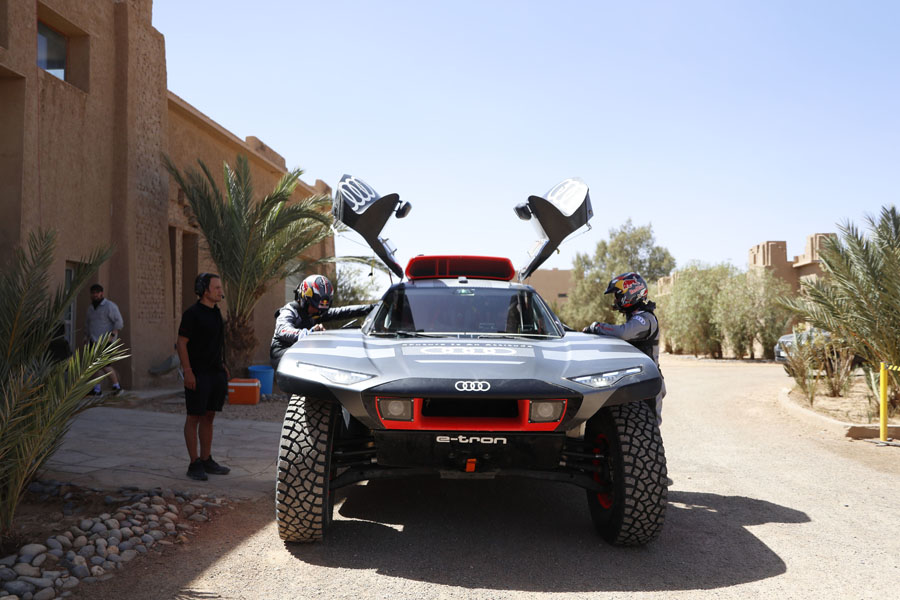 Audi-RS-Q-e-tron_puertas-abiertas