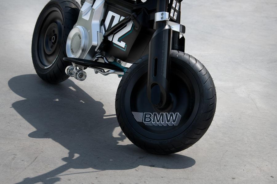BMW-Concept-CE-02_ruedas