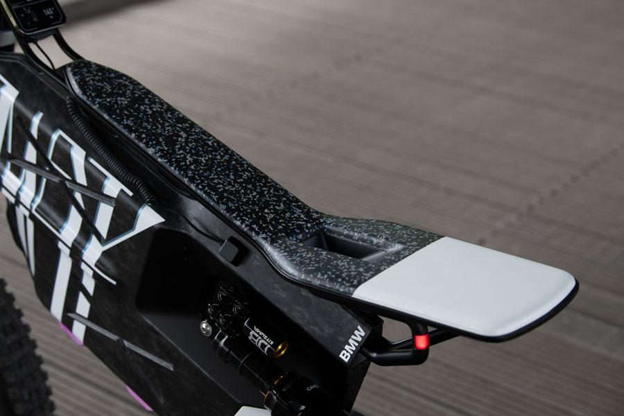 BMW-Vision-AMBY_concept-ciclomotor-electrico_asiento