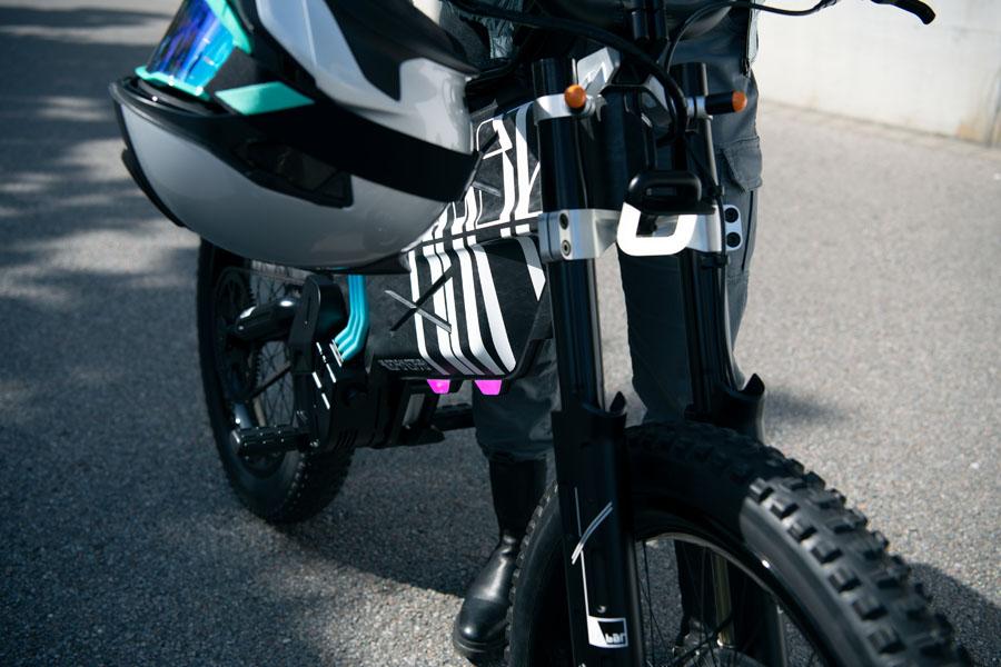 BMW-Vision-AMBY_concept-ciclomotor-electrico_frontal