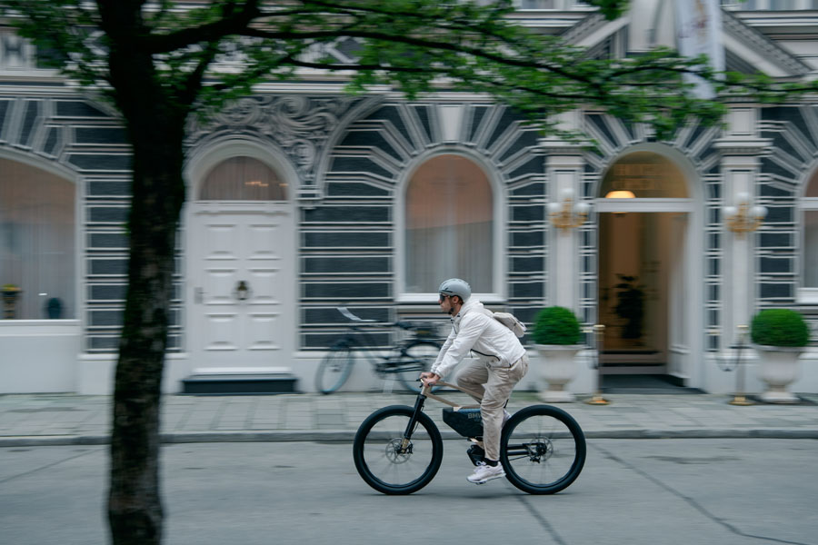 Bicicleta-electrica-BMW-i-Vision-AMBY_movimiento