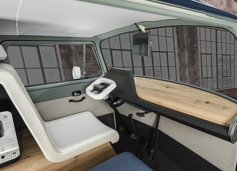 Continental-AMBIENC3_interior-conductor