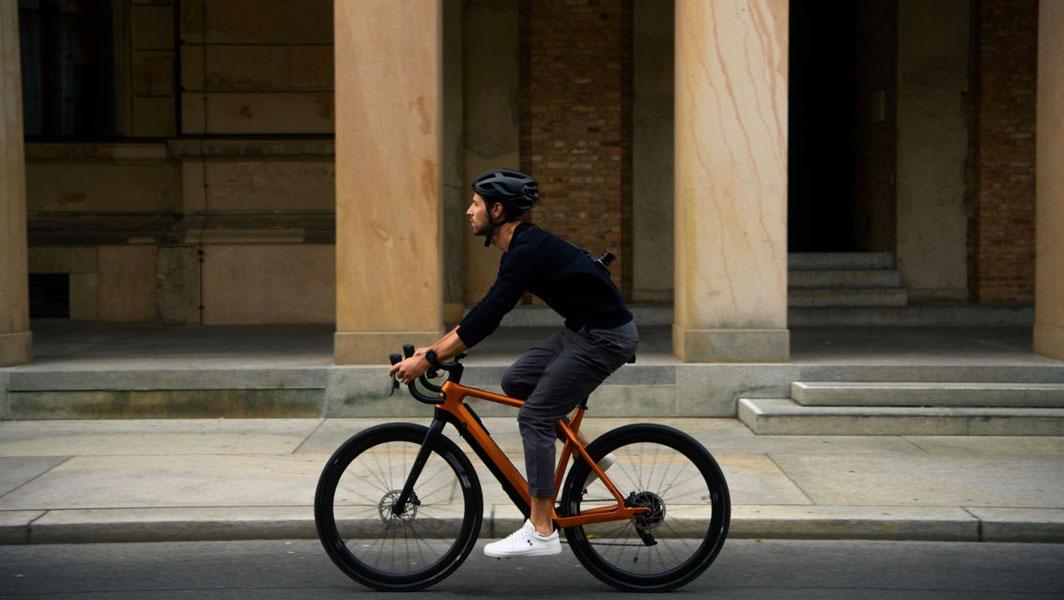 Cyklær_nueva-marca-bicicletas-electricas-Porsche-Digital_Storck_movimiento-lateral