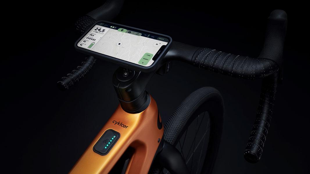 Cyklær_nueva-marca-bicicletas-electricas-Porsche-Digital_Storck_smartphone-manillar