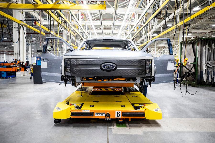 Ford-F-150-Lightning_inicio-pre-produccion_frontal-2