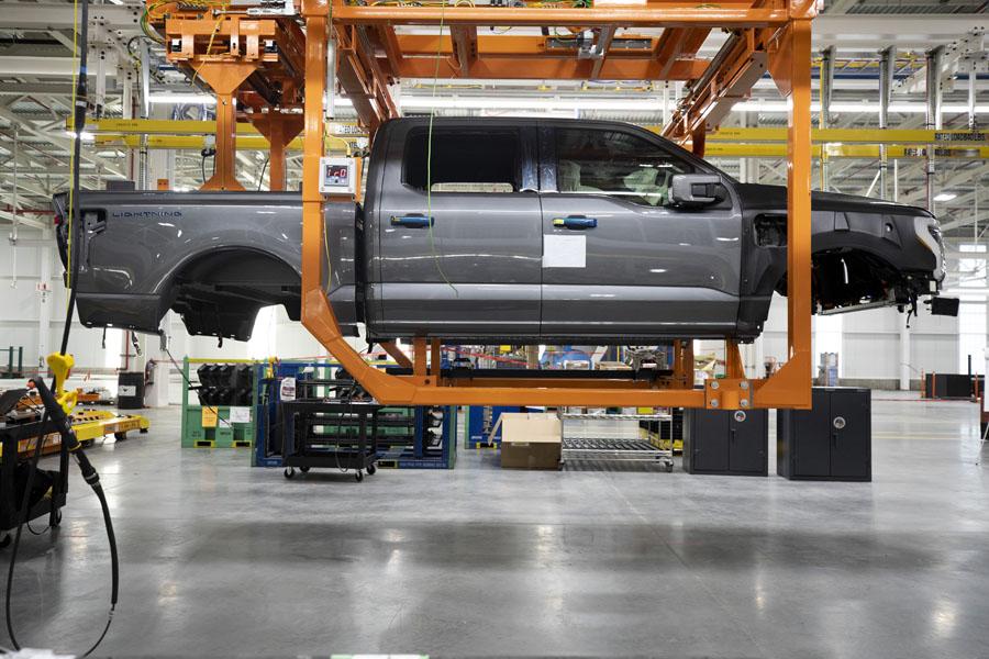 Ford-F-150-Lightning_inicio-pre-produccion_lateral