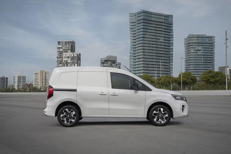 Furgoneta-electrica-Nissan-Townstar_lateral