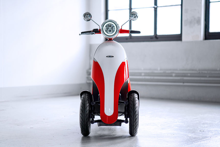 Microletta_scooter-electrica-tres-ruedas_frontal