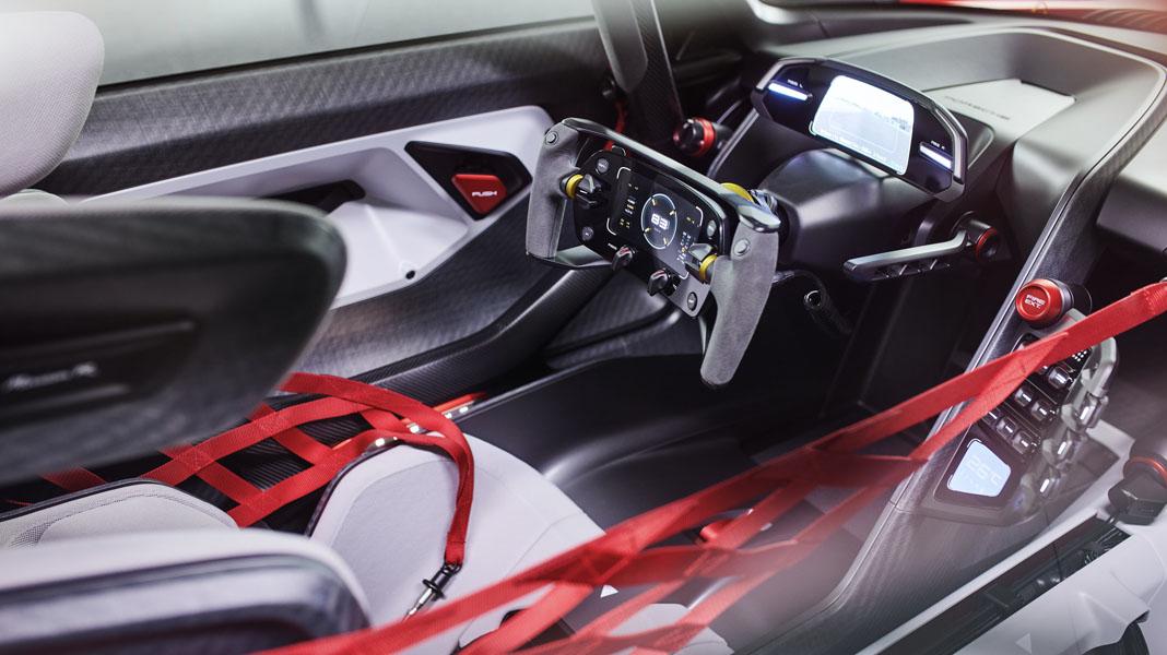 Porsche-Mission-R_concept_interior-conductor