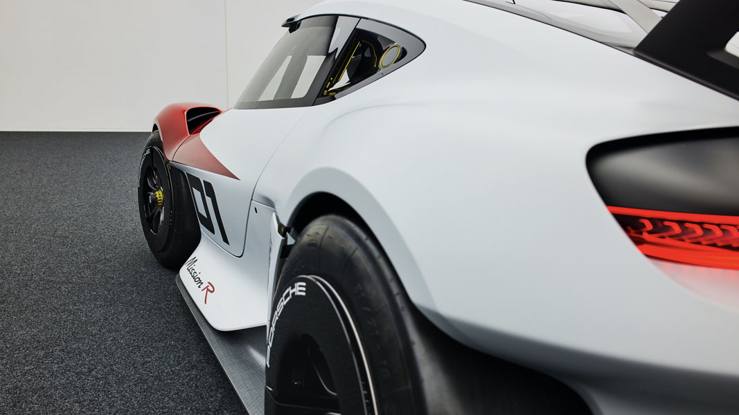 Porsche-Mission-R_concept_trasera-2