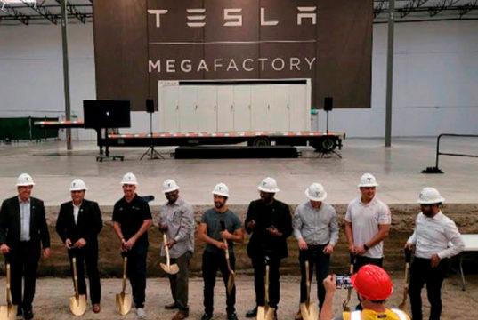 Tesla-Megafactory-Megapack-California