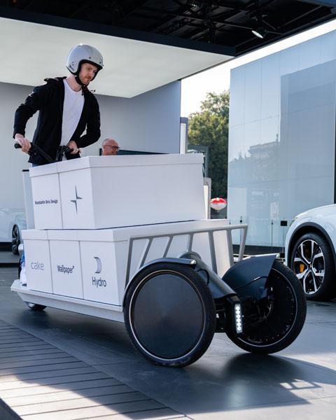 Transportador-electrico-Polestar-Re_Move_giro