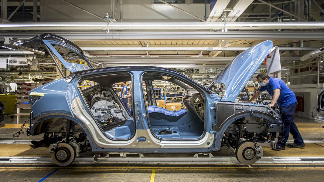 Inicio-produccion-Volvo-C40_Recharge_Belgica_lateral