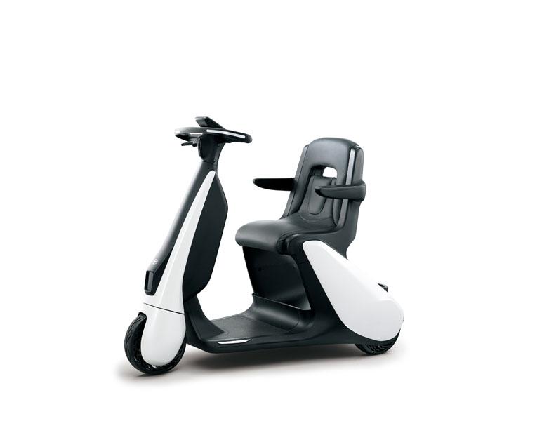 Patinete-electrico-Toyota-C+walkT_asiento