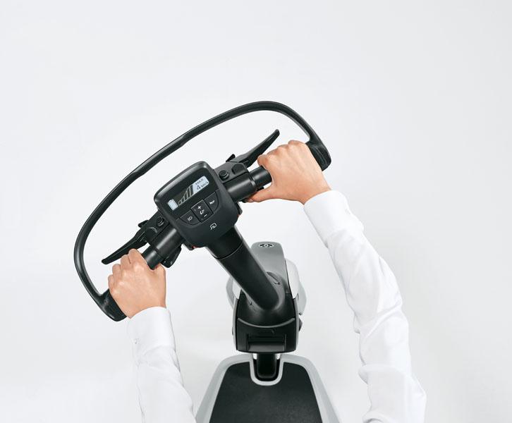 Patinete-electrico-Toyota-C+walkT_manillar-giro