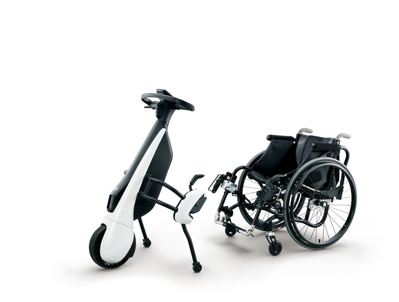 Patinete-electrico-Toyota-C+walkT_silla-ruedas