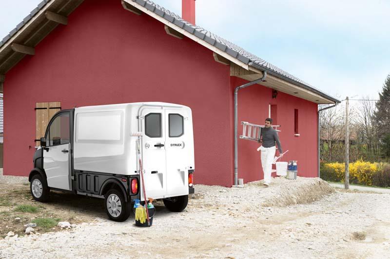 Aixam-PRO_e-truck-electrico-operario-trabajando