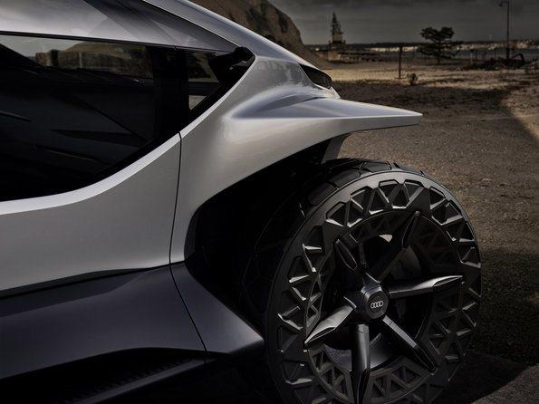 Audi-AI_TRAIL-quattro_ruedas
