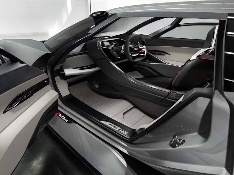 Audi-PB18-e_tron_interior-posicion2