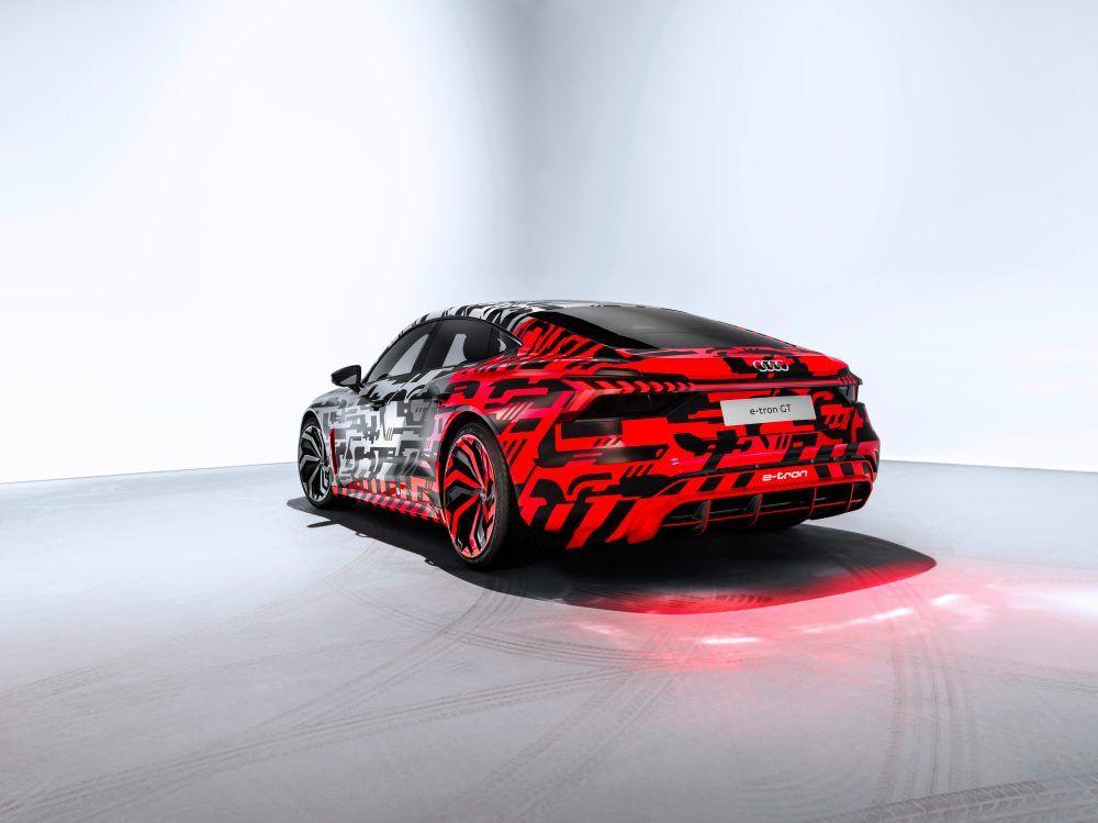 Audi-e_tron-GT_camuflaje03