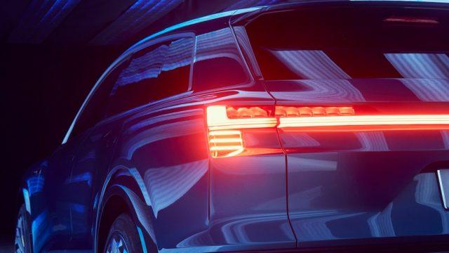 Audi-e_tron-quattro-electric-SUV02